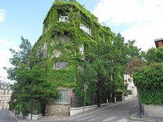 butte-bergeyre-pique-nique-paris Butte Bergeyre, 75019. Entre l'avenue Simon-Bolivar au sud, l'avenue Mathurin-Moreau au nord et la rue Manin à l'est.  butte-bergeyre-pique-nique-paris