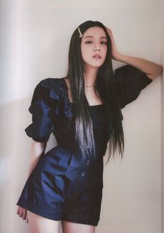 Kpop Fashion Outfits, Blackpink Fashion, Daily Fashion, Yg Entertainment, South Korean Girls, Korean Girl Groups, Blackpink Photos, Blackpink Jisoo, Blackpink Jennie
