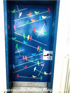 Ιδέες για δασκάλους:Διακόσμηση πόρτας: Πουλάκια στα σύρματα Ikea, Classroom, School, Frame, Party, Home Decor, Decorations, Education, Class Room