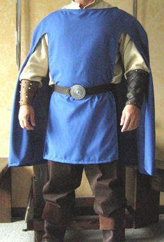Medieval Renaissance Musketeer Celtic Short Cloak Cape