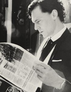 Reading the newspaper is stylish        ♕ 12/100 pictures of Thomas William Hiddleston.