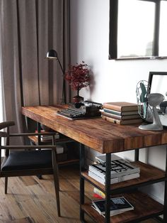 White Home Office Ideas To Make Your Life Easier; home office idea;Home Office Organization Tips; chic home office. Mesa Home Office, Home Office Desks, Office Decor, Office Ideas, Desk Ideas, Office Designs, Office Table, Small Office Desk, Wood Office Desk