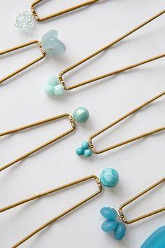 DIY Something Blue Hair Pins Are Stunning! These are the most gorgeous DIY something blue hair pins ever!These are the most gorgeous DIY something blue hair pins ever! Hair Accessories For Women, Bridal Accessories, Head Accessories, Hair Beads, Hair Jewelry, Wedding Jewelry, Aztec Jewelry, Hair Sticks, Something Blue