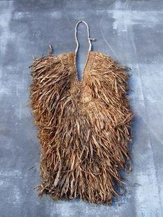 MINO - Japanese mingei straw raincoat