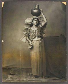Aguadora tipicos hacia 1900 Tehuantepec, Oaxaca, México