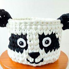Marvelous Crochet A Shell Stitch Purse Bag Ideas. Wonderful Crochet A Shell Stitch Purse Bag Ideas. Crochet Panda, Crochet Bowl, Crochet Shell Stitch, Crochet Basket Pattern, Quick Crochet, Knit Crochet, Crochet Patterns, Cotton Cord, Fabric Yarn