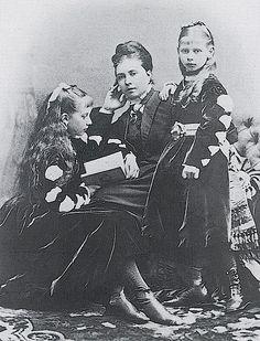 Vicky, Charlotte & Moretta 1870s