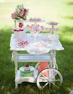 How cute is this vintage dessert cart?