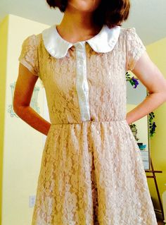 <3 cute vintage style. Lace dress, Peter Pan collar...complete the look with pastel bow and shoes!!