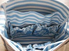 Morning by Morning Productions: Messenger Bag Tutorial - Part 1 (diaper bag) Diaper Bag Patterns, Diaper Bag Tutorials, Purse Patterns, Sewing Tutorials, Sewing Projects, Sewing Patterns, Diy Tote Bag, Pouch Bag, Zipper Pouch
