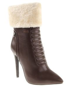 Give yourself a lift in the Florida Ankle Bootby Plum. These boots will help you feel glam this season with their sleek lace updesign and fluffy shaft. For perfect winter look, pair them with skinny jeans, a blouse, and a cape. Winter Looks, Chocolate Brown, Hair Pieces, Plum, Cape, Florida, Skinny Jeans, Pairs, Ankle