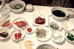 [권순홍의 맛집] 광화문 남도음식 - 신안촌 - 시니어조선 :::: 삶의 정상에 서다! - 매거진 > Life: TRADITIONAL KOREAN FOODS TABLE...JUST LIKE MY MOM'S