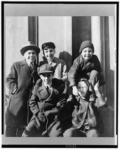 Kids New York 1940s.