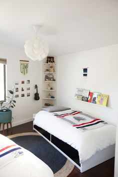 Living With Kids: Lisa Fontaine Ukulele holder for Taylor's Room