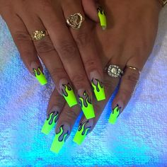 We love neon nails because of their creative colors. The neon nail designs not only shine under the Edgy Nails, Swag Nails, Cute Nails, Pretty Nails, Grunge Nails, Fancy Nails, Stylish Nails, Bright Summer Nails, Summer Acrylic Nails