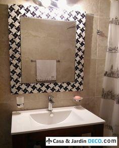 Espejo con marco pied de poule mosaico creado por Vanesa Galizia