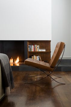The Barcelona Chair a world famous design by Ludwig Mies van der Rohe, is available from stock in 6 colours. Premium leather and modern design Barcelona chairs. Home Interior, Interior Architecture, Interior Decorating, Slate Hearth, Barcelona Chair, Fireplace Design, Home And Living, Modern Living, Home Projects