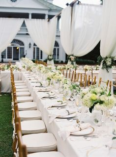 Gorgeous white tables: http://www.stylemepretty.com/2015/02/16/traditional-charleston-plantation-wedding/ | Photography: Virgil Bunao - http://virgilbunao.com/