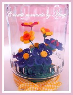 deco quilling in jar Paper Quilling Flowers, Paper Quilling Designs, Quilling Craft, Quilling Ideas, Quilling Tutorial, Chocolate Flowers Bouquet, Jar Art, Arts And Crafts, Paper Crafts