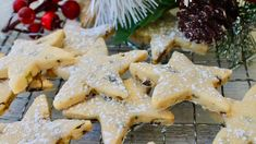 Nothing says Christmas quite like buttery shortbread. These crumbly biscuits are a simple sweet treat and make thoughtful festive gifts. Sugar Free Shortbread Recipe, Buttery Shortbread Cookies, Shortbread Recipes, Xmas Food, Christmas Desserts, Christmas Treats, Christmas Foods, Simple Christmas, Christmas Recipes