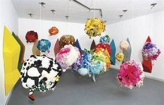 Mike Kelley, Deodorized central mass with satellites