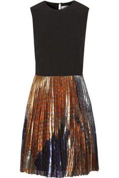Crepe and printed silk-blend lamé dress #silkdress #women #covetme #Victoria, Victoria Beckham