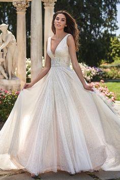 #JasmineBridal #Collection #F221006 #laceballgown Jovani Wedding Dresses, Sherri Hill Prom Dresses, Cheap Wedding Dress, Dream Wedding Dresses, Designer Wedding Dresses, Lace Wedding, Wedding Gowns, Flowy Gown, Jasmine Bridal