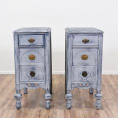 """This pair of """"Statesville"""" shabby chic nightstands are featured in a solid wood with a distressed blue white washed chalk paint finish. These end tables are in great condition with 3 drawers, carved spindle legs and mix matched hardware. Eclectic bed side tables with plenty of storage! #cottagechic #dressers #nightstand #sandiegovintage #vintagefurniture"""