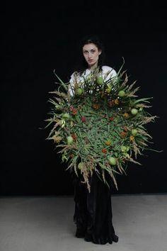 Wow Unique Flower Arrangements, Unique Flowers, Arte Floral, Flower Crafts, Flower Art, Flora Design, Plant Decor, Flower Designs, Corsage