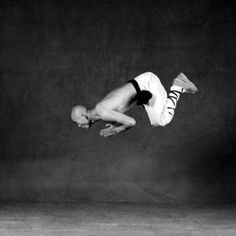 The Frog Jump - Isabel Munoz, Shaolin Dancing Monks 1998-1999