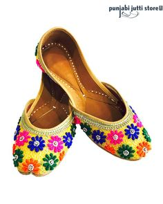 Multi Color Embroidery Punjabi Jutti In Brilliant Multi Color Pattern. Hand Crafted In Soft Pure Leather On The Front And The Back Of The Heel. It Has Been Cushioned At The Sole For Comfort.#Punjabijuttistore #Punjabijutti #mojari #womenpunjabijutti #jutti #menpunjabijutti #khussa #bridetobe #indianbride #wedding #wedeliver #worldwide