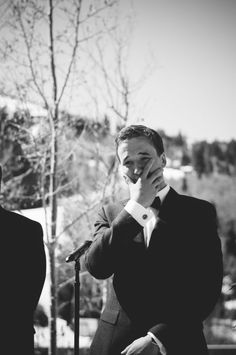 The 10 Must-Have Wedding Photos: The First Look - Groom's Reaction. Precious! #musthave #destinationwedding #photos