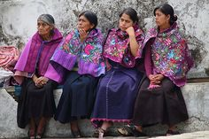 Tzotzil women at the Chiapas market in Mexico