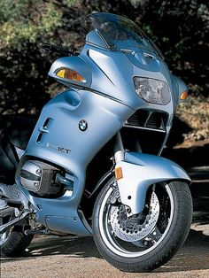 BMW R1100RT Front Right Side Quarter View