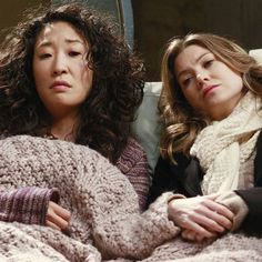 Christina and Meredith--Grey's Anatomy Cristina Yang, Meredith E Cristina, Meredith And Christina, Meredith Grey, Greys Anatomy Frases, Greys Anatomy Funny, Wallpaper Casais, Derek Shepherd, Dark And Twisty