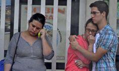 Lara: Detenida pareja de médicos por prestar asistencia médica a manifestantes http://www.derechos.org.ve/2015/02/13/lara-detenida-pareja-de-medicos-por-prestar-asistencia-medica-a-manifestantes/…