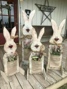 Celebrate Easter & Spring season with an outdoor decor. From Porch decoration to door decoration ot Yard decor, get best DIY Easter Outdoor Decor ideas here Spring Crafts, Holiday Crafts, Holiday Fun, Thanksgiving Crafts, Wooden Crafts, Diy And Crafts, Diy Crafts For Easter, Room Crafts, Wooden Decor