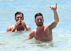 Maks & Val Chmerkovskiy Show Off The Shirtless Bodies On The Beach In Hawaii