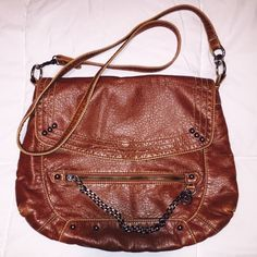 •Faux Leather Cross Body Purse• Gently used and in great condition! Vintage  inspired c1c838fac87fd