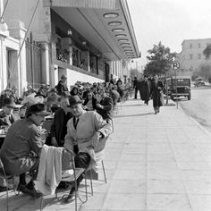 1948 ~ Syntagma square, Athens (photo by Dimitri Kessel) Greece Greece Pictures, Old Pictures, Old Photos, Vintage Photos, Athens Hotel, Athens Greece, Greece History, Greece Photography, Vintage Advertising Posters