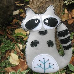 Stuffed Raccoon PATTERN  Sew by Hand Plush por LittleHibouShoppe, $4,00