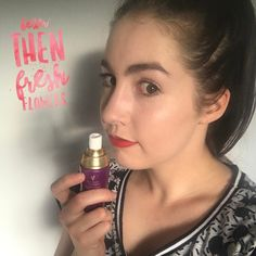 Younique's Royalty Rose Water Toning Spritz smells better than fresh flowers 🌹. It is used to hydrate and prep skin for makeup application.