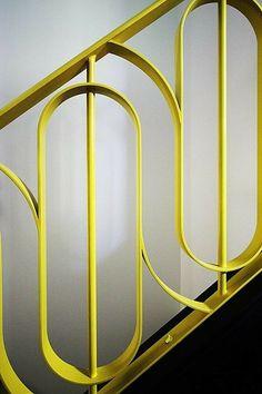 Stunning Art Deco Stair Railing Designs For Modern Home Interior - GetDesignIdeas Stair Handrail, Staircase Railings, Stairways, Bannister, Garden Railings, Metal Railings, Railing Design, Staircase Design, Staircase Ideas