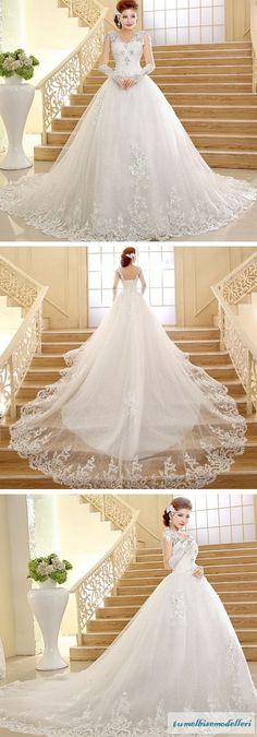 Gelinlik Modelleri   Bir kadının en özel günlerinden biri de düğün günüdür. Hepimiz bu konuda hemfikiriz ve bu günü özel kılmak için çokç...