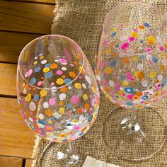 DIY painted wine glasses - polka dot painting on glass - inexpensive easy gifts - crafts for beginners - unique party favors