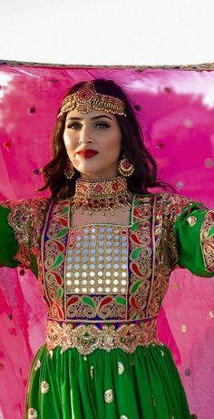Tribal Fashion, Indian Fashion, Afghani Clothes, Pakistani Wedding Photography, Afghan Girl, Culture Clothing, Afghan Dresses, Stylish Girls Photos, Pakistani Bridal Dresses