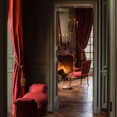 """Château de Villette: The Splendor of French Decor - Photo by Bruno Ehrs for """"Château de Villette. The splendor of French decor"""", published by Flam - Traditional Interior, Classic Interior, Traditional Design, Style At Home, Interior Decorating, Interior Design, French Decor, Home Fashion, Country Decor"""