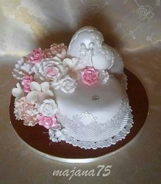Wedding cake Heart Cakes, White Cakes, Wedding Cakes, Fancy, Creative, Floral, Desserts, Pink, Weddings