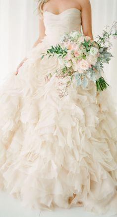 Bonito vestido de novia <3 www.utopik.com.mx
