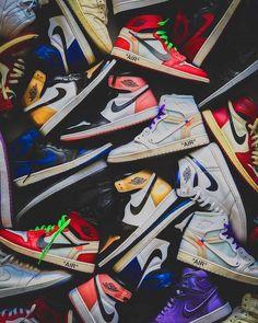 Jordan Shoes Wallpaper, Sneakers Wallpaper, Nike Wallpaper Iphone, Hype Wallpaper, Michael Jordan Basketball, Jordan 1, Thrasher, Sneaker Posters, Nba Wallpapers